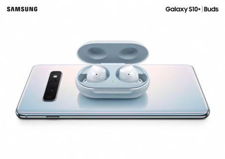 S10/Galaxy%20S10系列/Galaxy_S10_line_products_key_visuals/14_s10plus_white_buds_white_combo_2p_rgb.jpg