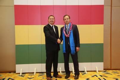 赵立波2与玻利维亚前总统基罗加