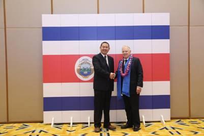 赵立波与哥斯达黎加前总统罗德里格斯